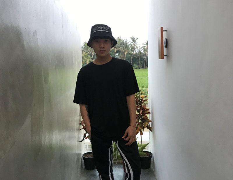 kpop-teacher